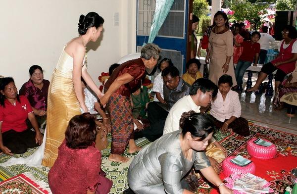 bangkok traditional wedding