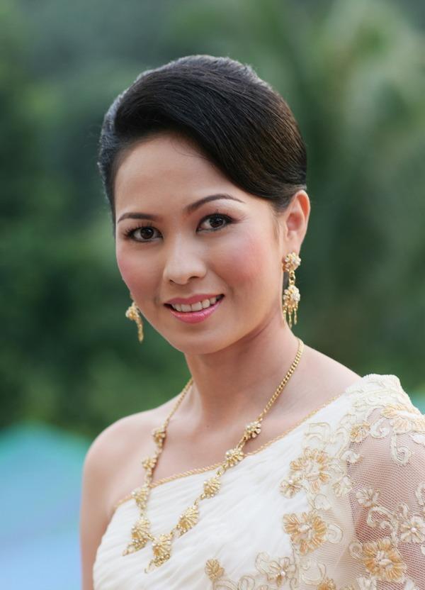 engagement ceremony bangkok Thailand