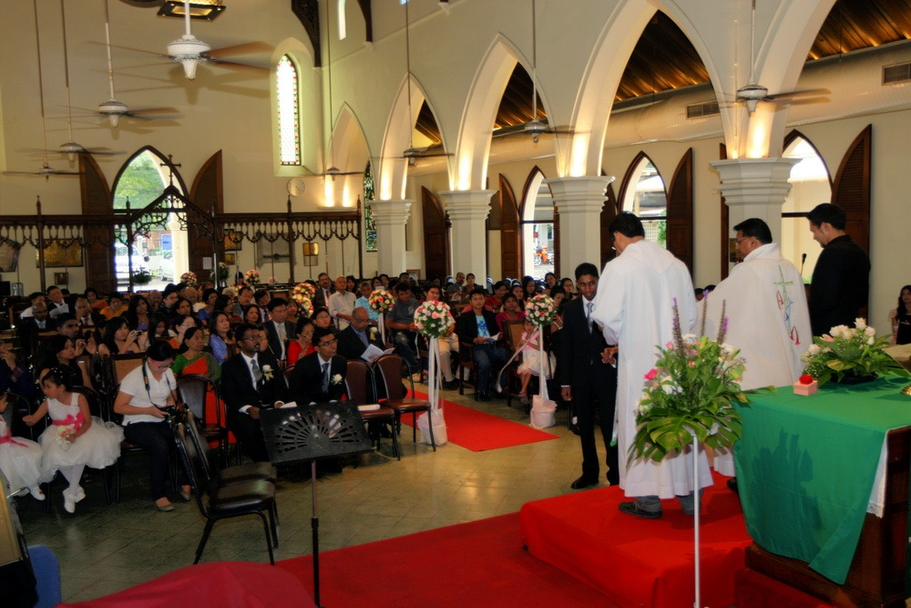 ceremony bangkok church ryan & som wedding
