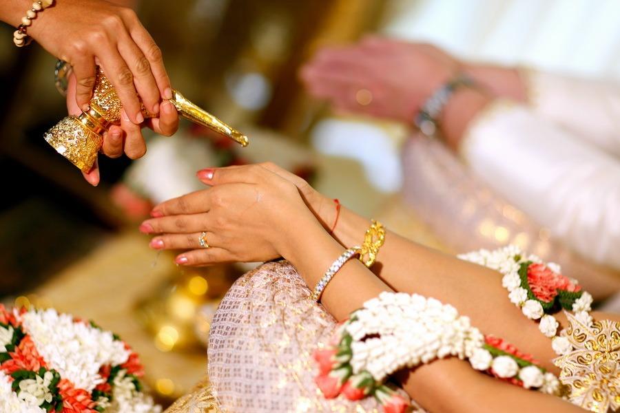 professional thailand wedding photographer