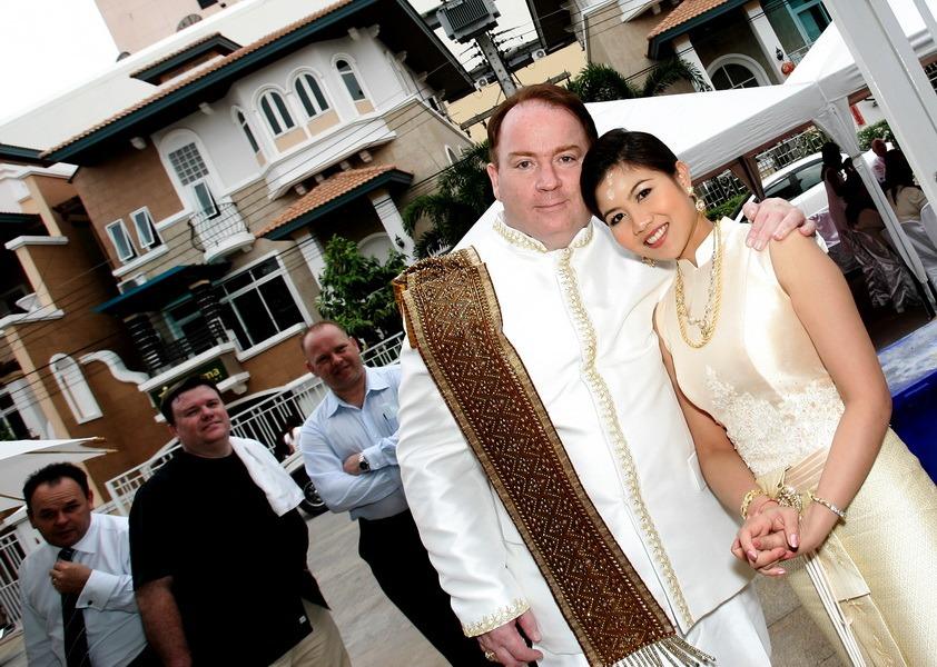 professional wedding photographer bangkok thailand rob and sao
