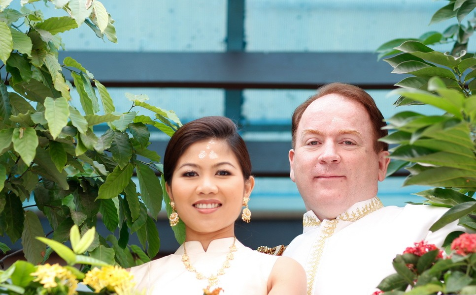 traditional bride and groom photography thailand
