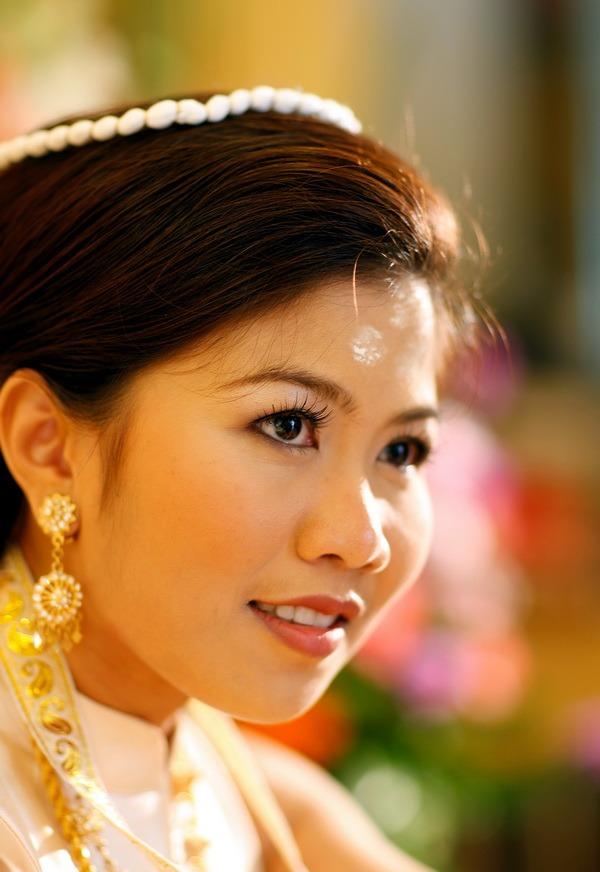 traditional bride and groom wedding photographer