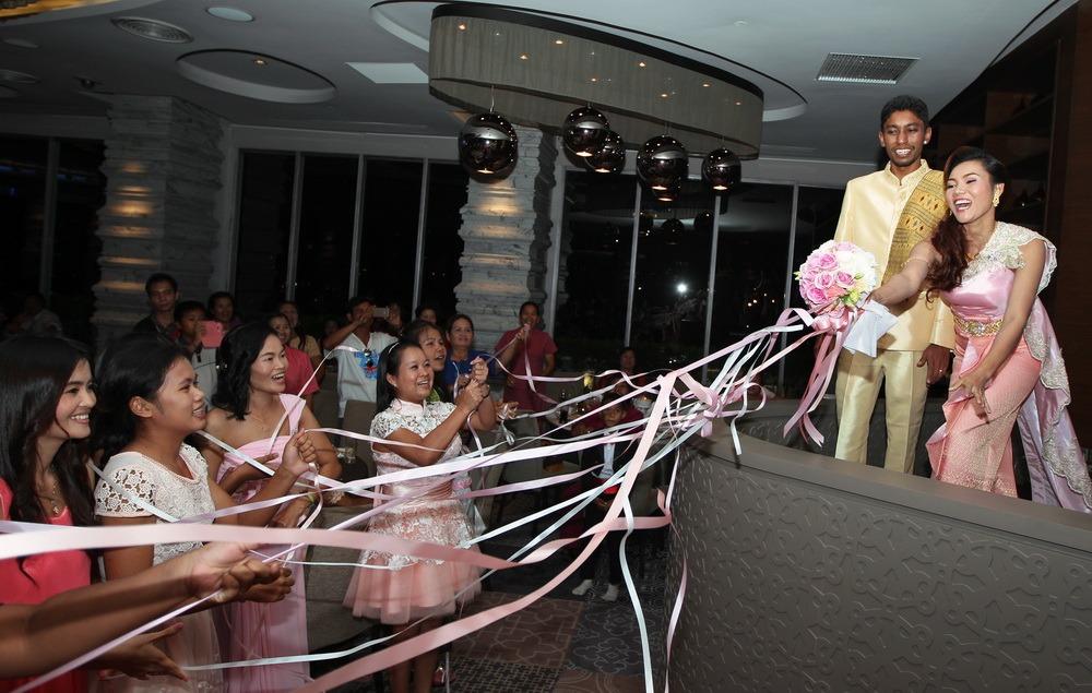 wedding church bangkok thailand ryan & som
