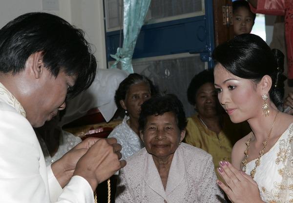 traditional thai photographer