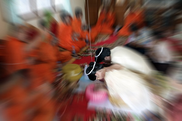 traditional wedding photography thai