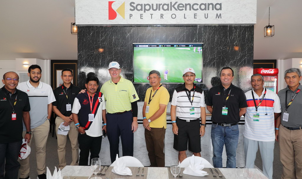 golfers in a group at a Thailand golf event.